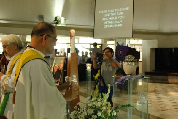 2016-09-10-fr-dennis-meims-funeral-mass-and-interment-80-of-110